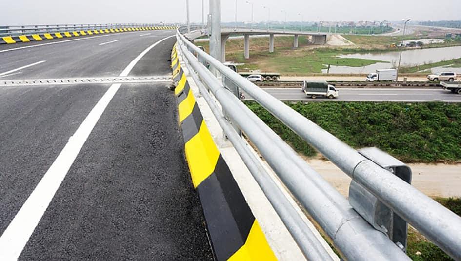 Thép Nhật Quang có độ bền cao phục vụ cho công trình giao thông vận tải