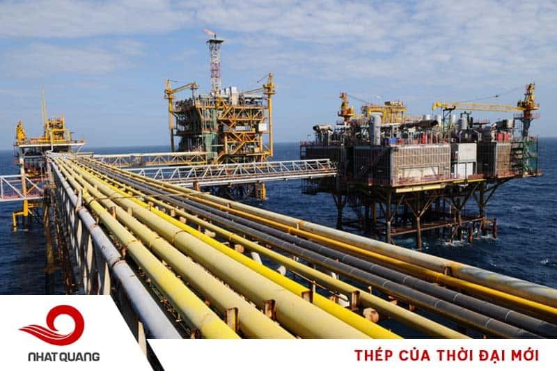 Đường ống dẫn dầu và các công trình ngoài trời ưu tiên dùng ống thép mạ kẽm nhúng nóng