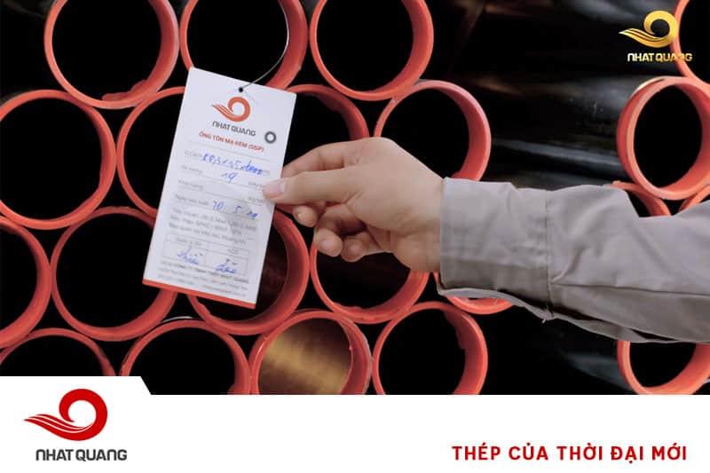 Chất lượng ống đồng đều, thông số hiển thị rõ ràng trên tem đầu ống