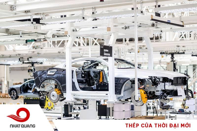 Thép là vật liệu quan trọng cấu thành nên nhiều bộ phận và chi tiết máy của ô tô